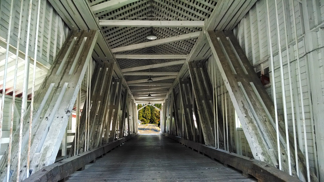 covered_bridge_structure